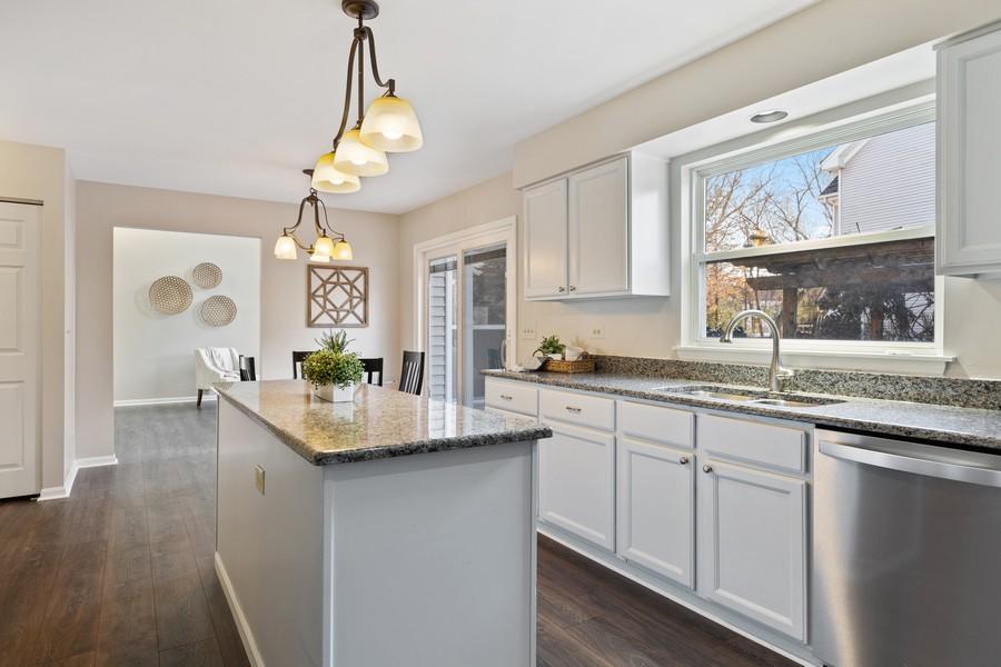 Real Estate Photography - 191 Wellington Ct, Grayslake, IL, 60030 - Kitchen