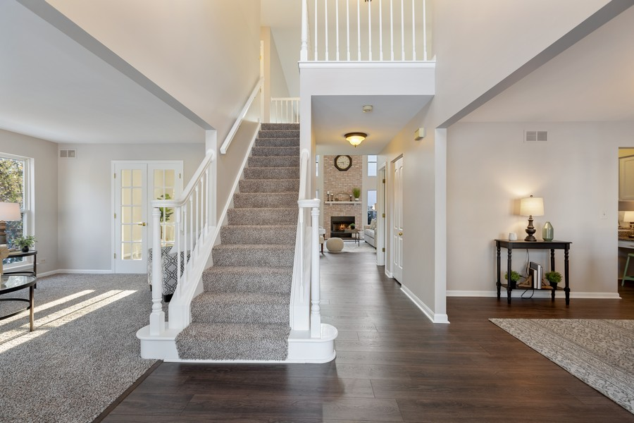 Real Estate Photography - 191 Wellington Ct, Grayslake, IL, 60030 - Foyer