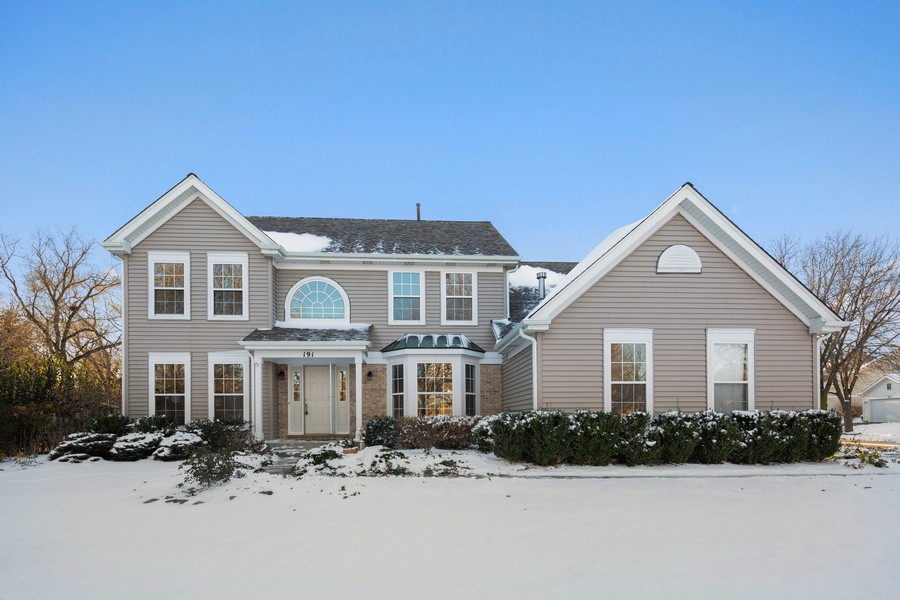 Real Estate Photography - 191 Wellington Ct, Grayslake, IL, 60030 - Front View