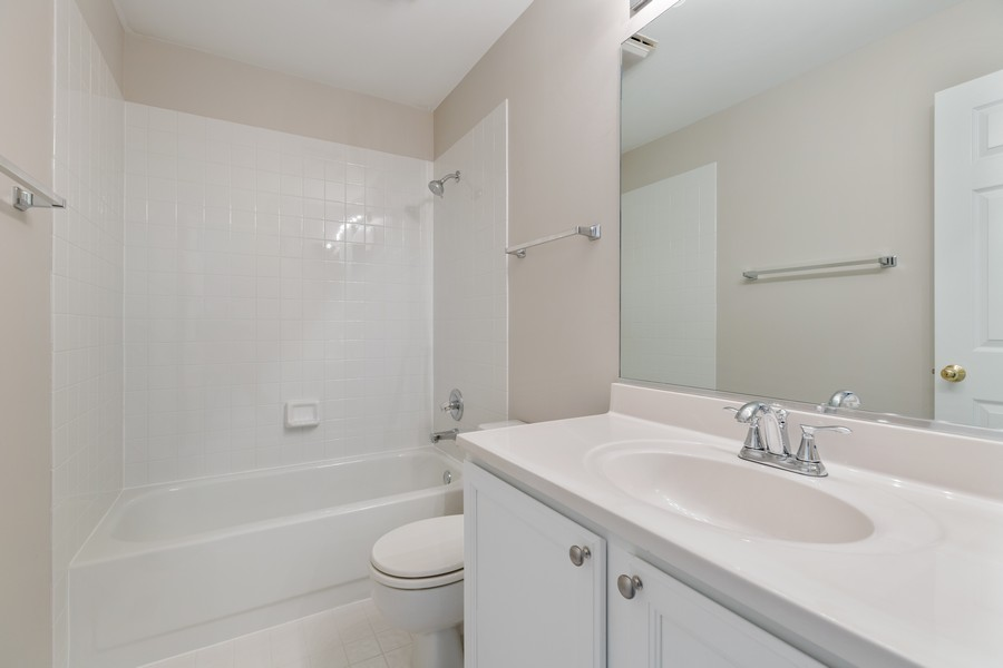 Real Estate Photography - 191 Wellington Ct, Grayslake, IL, 60030 - 2nd Bathroom
