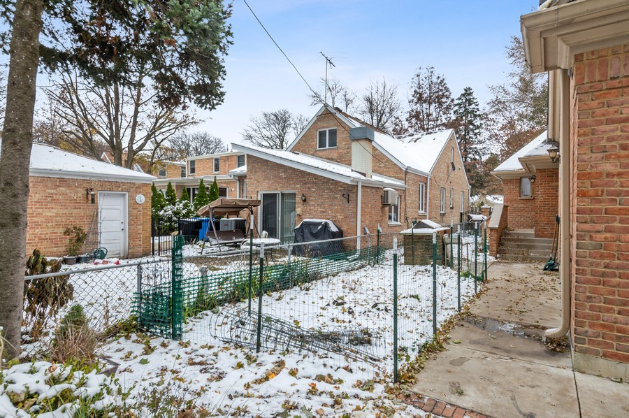 Real Estate Photography - 7004 North Mcalpin Ave, Chicago, IL, 60646 - Back Yard