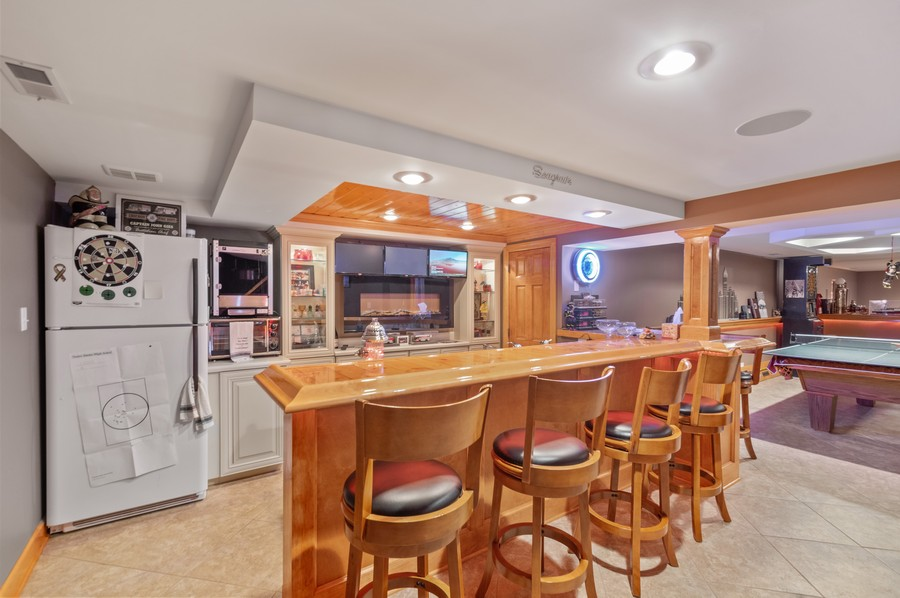 Real Estate Photography - 7004 North Mcalpin Ave, Chicago, IL, 60646 - Bar