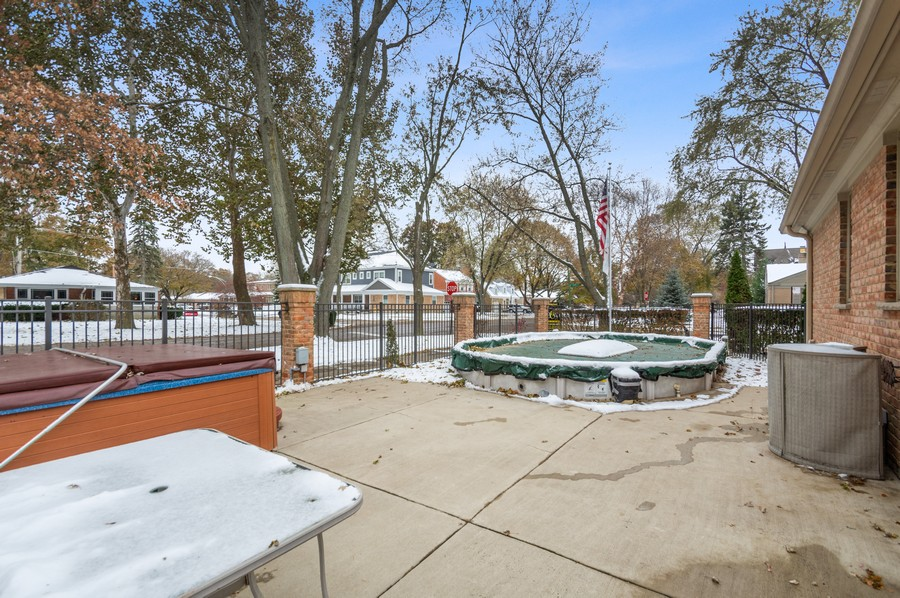 Real Estate Photography - 7004 North Mcalpin Ave, Chicago, IL, 60646 - Outdoor Pool