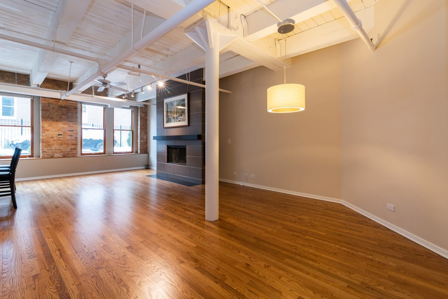 Real Estate Photography - 1335 West Altgeld St, 1C, Chicago, IL, 60614 - Living Room/Dining Room