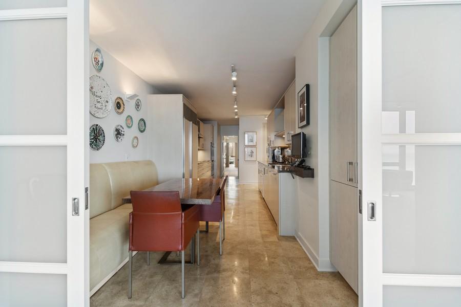 Real Estate Photography - 1420 Sheridan Rd, 7F, Wilmette, IL, 60091 - Kitchen / Breakfast Room