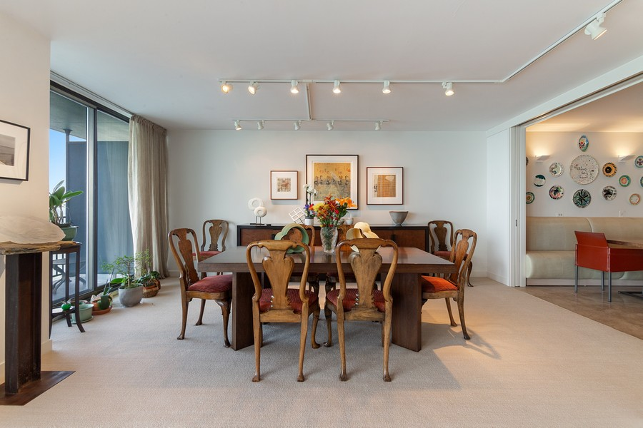 Real Estate Photography - 1420 Sheridan Rd, 7F, Wilmette, IL, 60091 - Dining Room