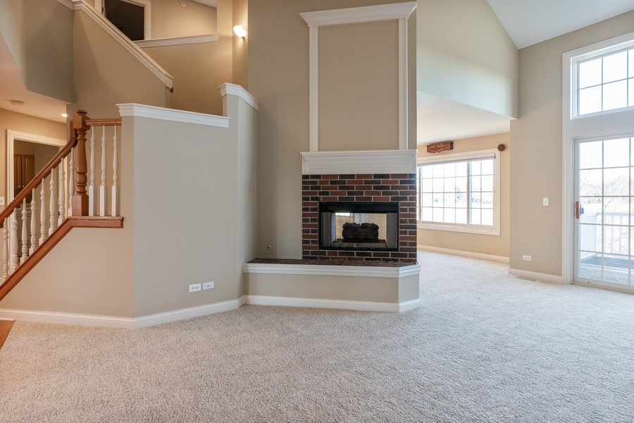Real Estate Photography - 33051 North Stone Manor Dr, Grayslake, IL, 60030 - Living Room
