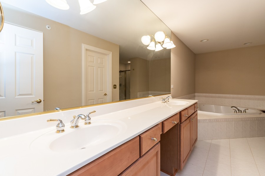 Real Estate Photography - 33051 North Stone Manor Dr, Grayslake, IL, 60030 - Master Bathroom