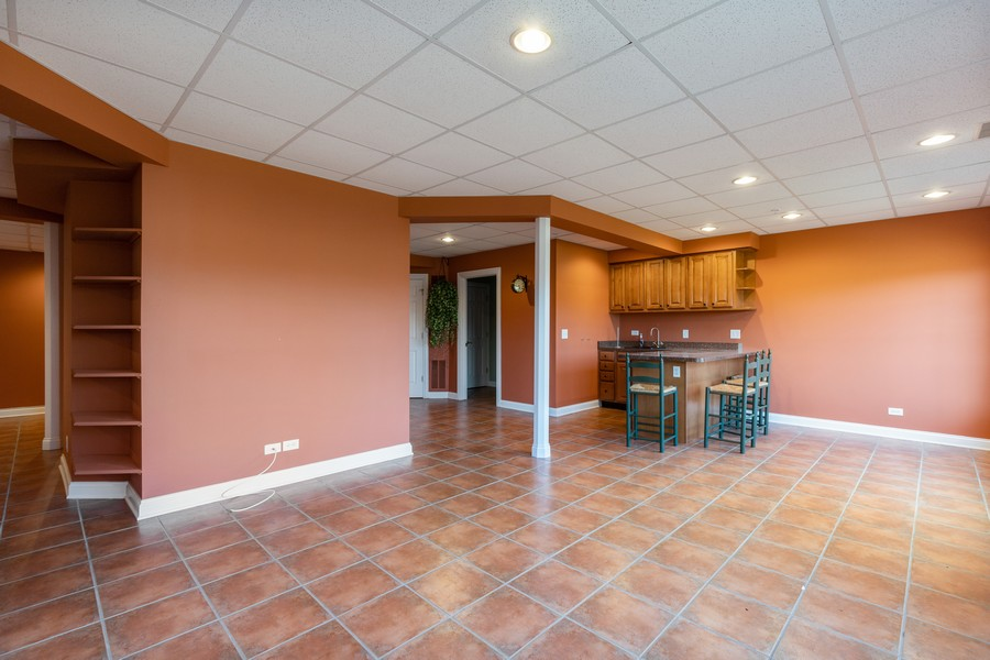 Real Estate Photography - 33051 North Stone Manor Dr, Grayslake, IL, 60030 - Entertainment Room