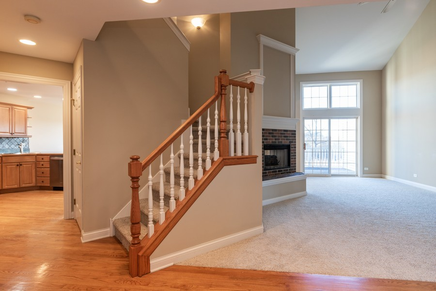 Real Estate Photography - 33051 North Stone Manor Dr, Grayslake, IL, 60030 - Foyer