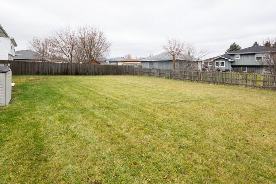 Real Estate Photography - 6601 Morningstar Ln, Plainfield, IL, 60586 - Back Yard