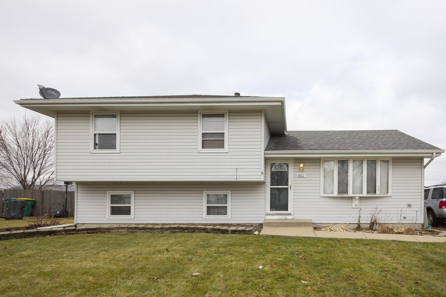 Real Estate Photography - 6601 Morningstar Ln, Plainfield, IL, 60586 - Front View
