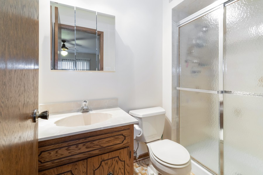 Real Estate Photography - 15621 Violet Ct, Orland Park, IL, 60462 - Master Bathroom
