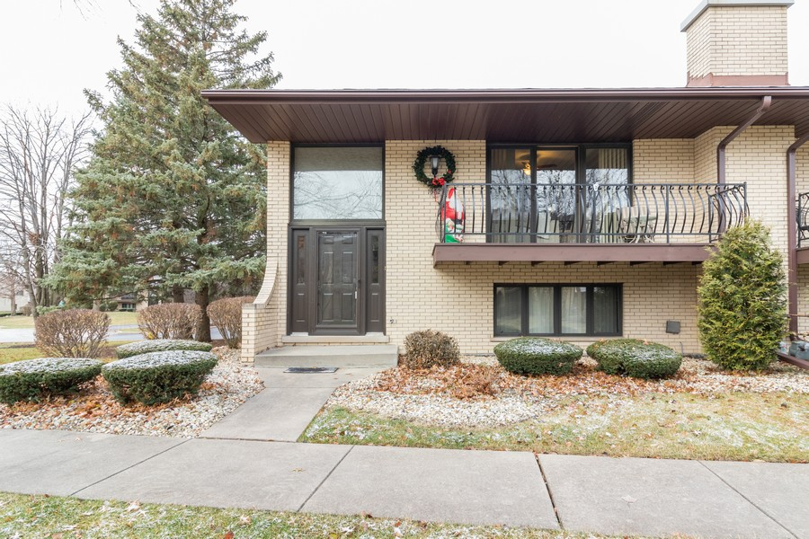 Real Estate Photography - 15621 Violet Ct, Orland Park, IL, 60462 - Front View