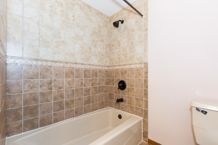 Real Estate Photography - 304 West Haven Ave, New Lenox, IL, 60451 - Master Bathroom