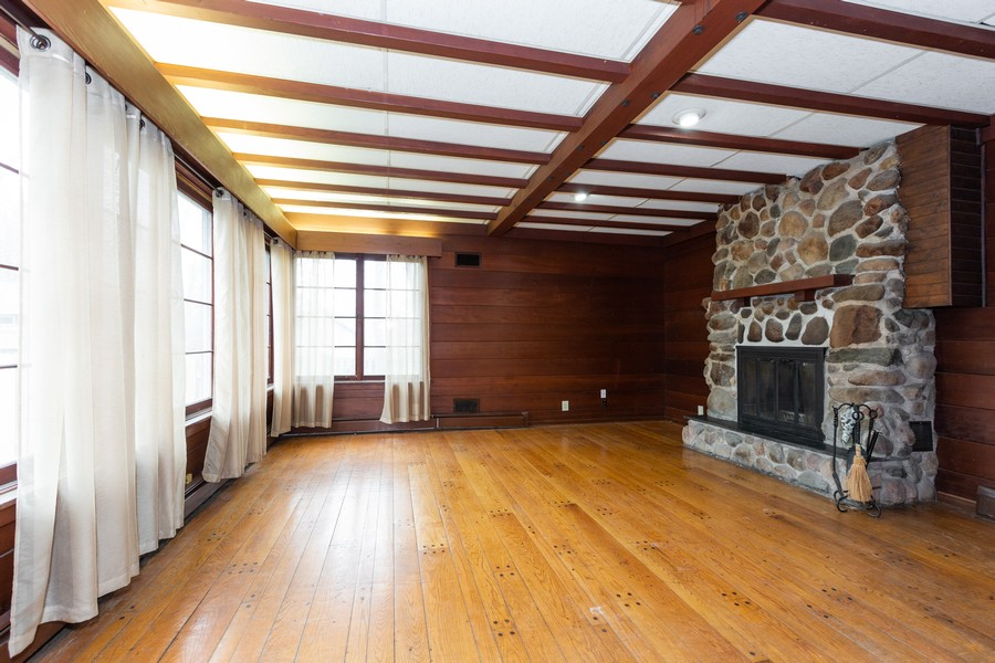 Real Estate Photography - 304 West Haven Ave, New Lenox, IL, 60451 - Family Room