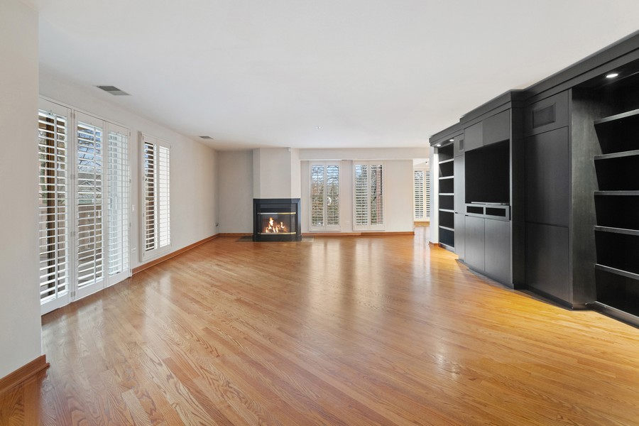 Real Estate Photography - 380 Green Bay Rd, 3D, Winnetka, IL, 60093 - Living Room