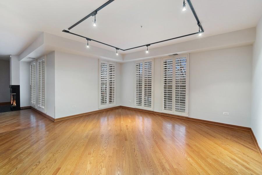 Real Estate Photography - 380 Green Bay Rd, 3D, Winnetka, IL, 60093 - Breakfast Area