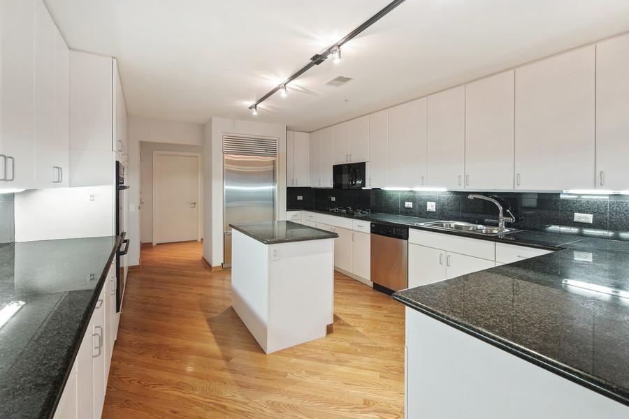 Real Estate Photography - 380 Green Bay Rd, 3D, Winnetka, IL, 60093 - Kitchen