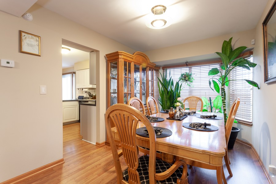 Real Estate Photography - 909 Fieldside Ln, Aurora, IL, 60504 - Dining Room