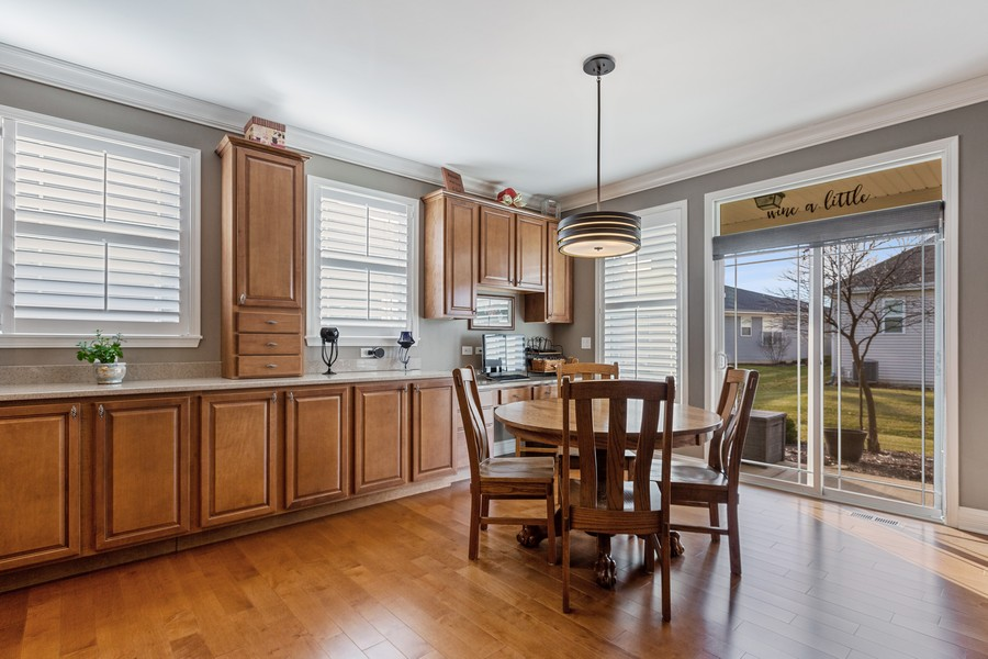 Real Estate Photography - 2811 Melrose Ln, Naperville, IL, 60564 - Breakfast Area