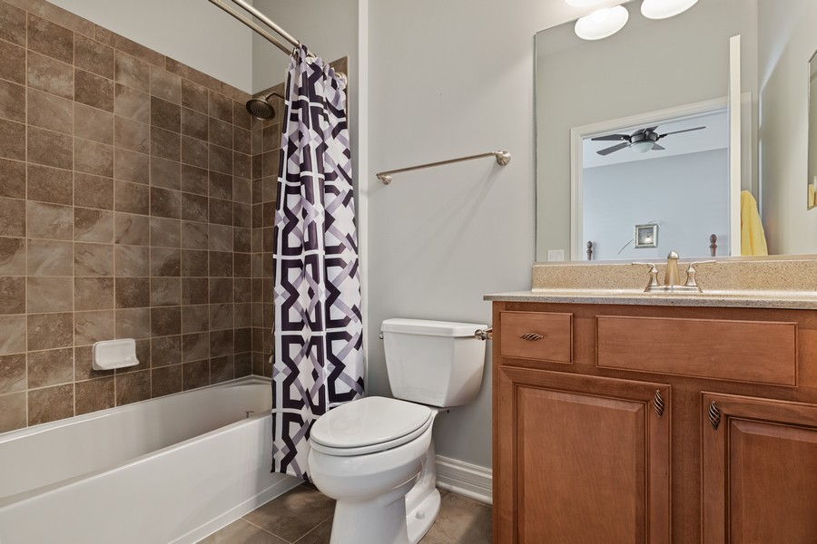 Real Estate Photography - 2811 Melrose Ln, Naperville, IL, 60564 - Bathroom