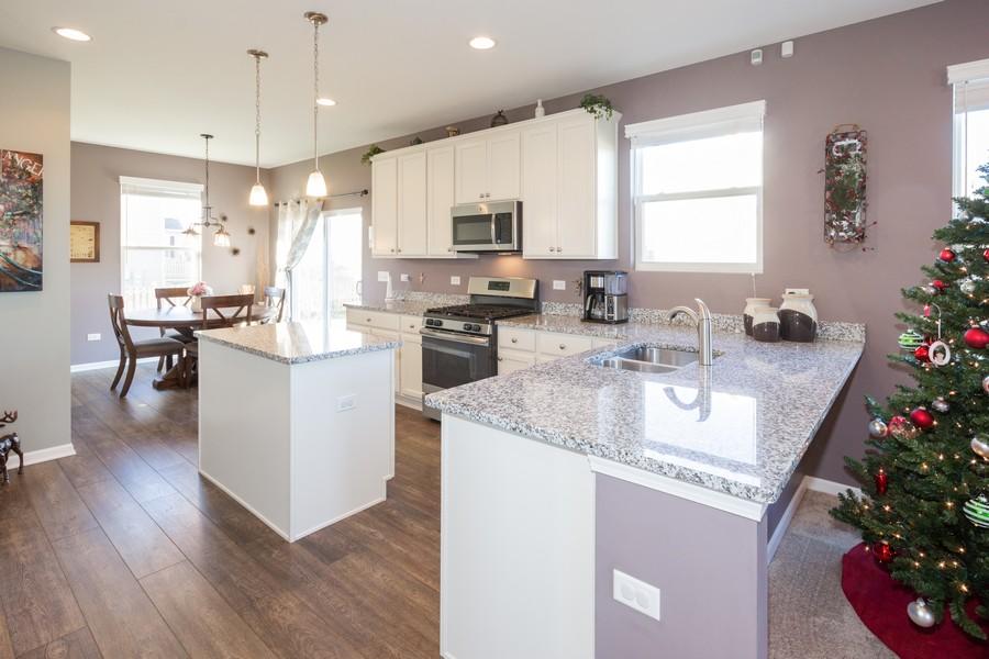 Real Estate Photography - 7801 Bellflower Ln, Joliet, IL, 60431 - Kitchen