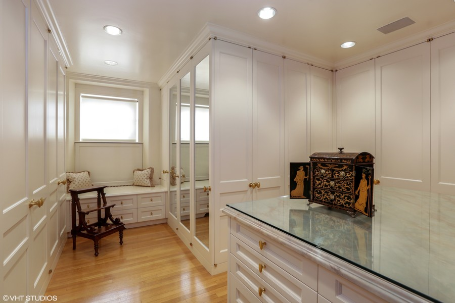 Real Estate Photography - 2450 North Lakeview Ave, 10, Chicago, IL, 60614 - Master Bedroom Closet