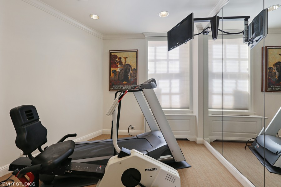 Real Estate Photography - 2450 North Lakeview Ave, 10, Chicago, IL, 60614 - Exercise Room