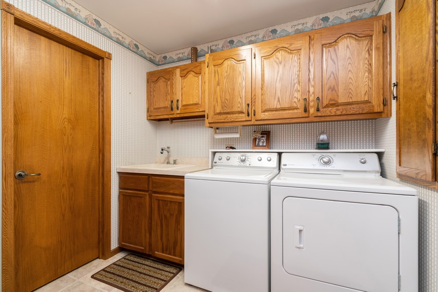 Real Estate Photography - 217 Aspen Dr, New Lenox, IL, 60451 - Laundry Room