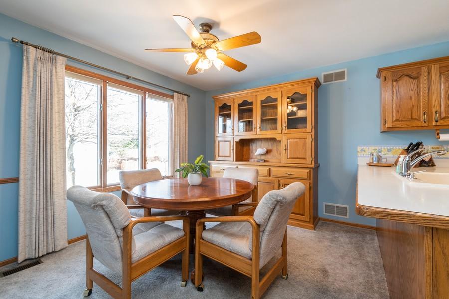 Real Estate Photography - 217 Aspen Dr, New Lenox, IL, 60451 - Breakfast Nook