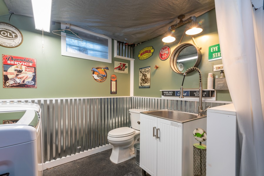 Real Estate Photography - 21 Woodland Ave, Elgin, IL, 60123 - 2nd Bathroom