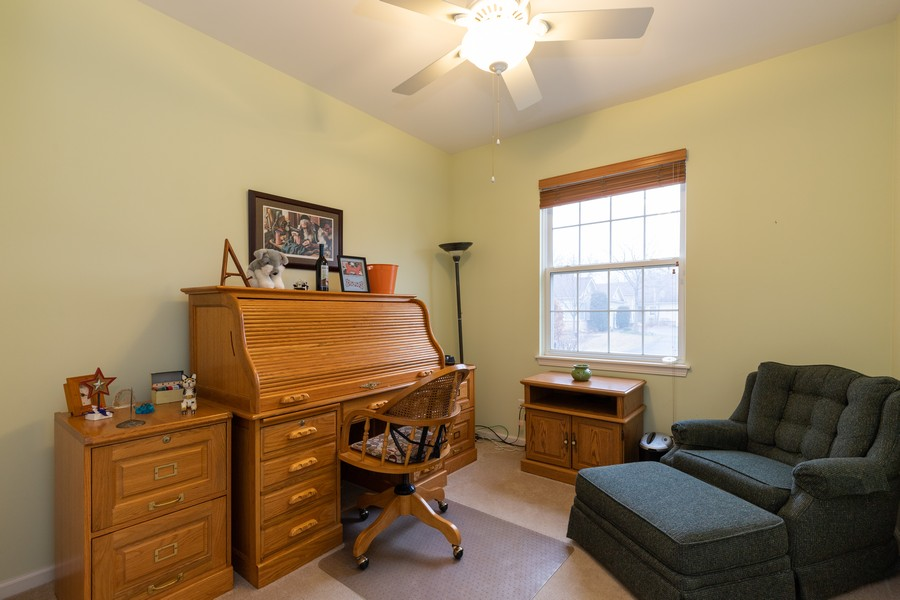 Real Estate Photography - 2261 Meadowcroft Ln, Grayslake, IL, 60030 - 2nd Bedroom