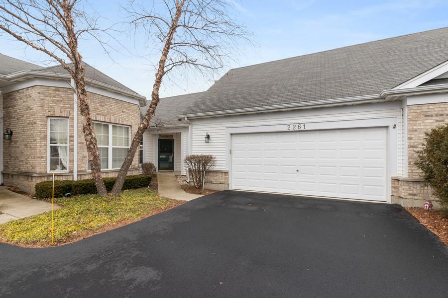 Real Estate Photography - 2261 Meadowcroft Ln, Grayslake, IL, 60030 - Front View