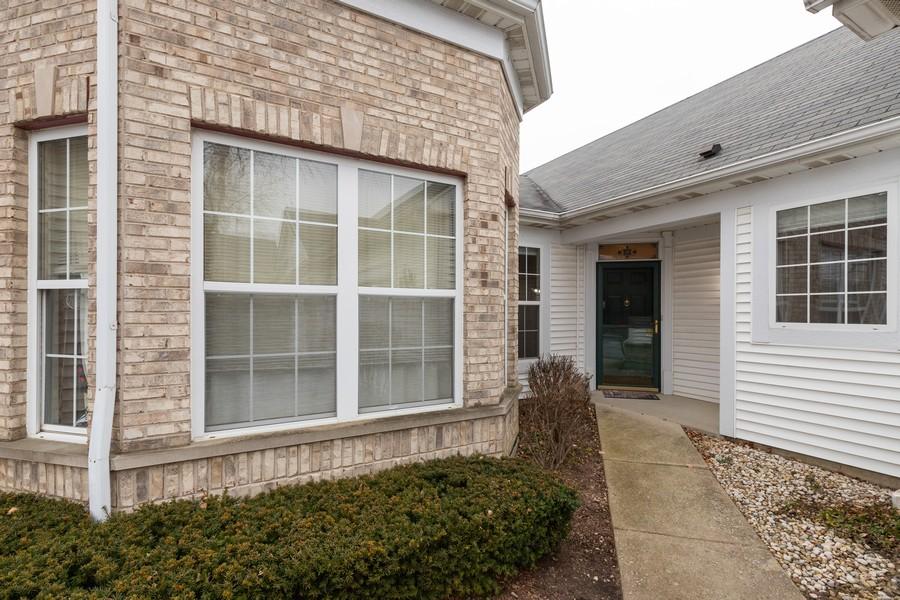 Real Estate Photography - 2261 Meadowcroft Ln, Grayslake, IL, 60030 - Porch