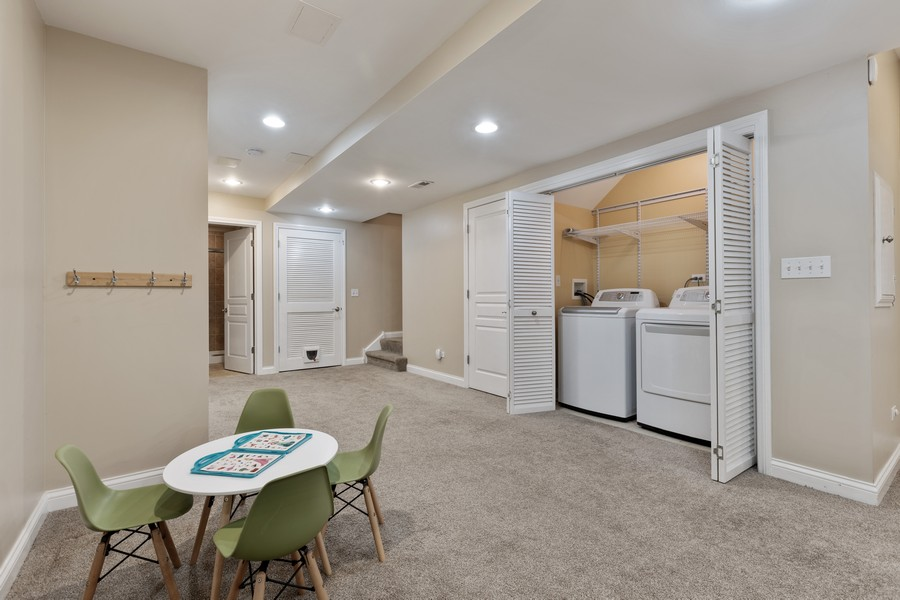 Real Estate Photography - 2307 Sundrop Dr, Glenview, IL, 60026 - Lower Level