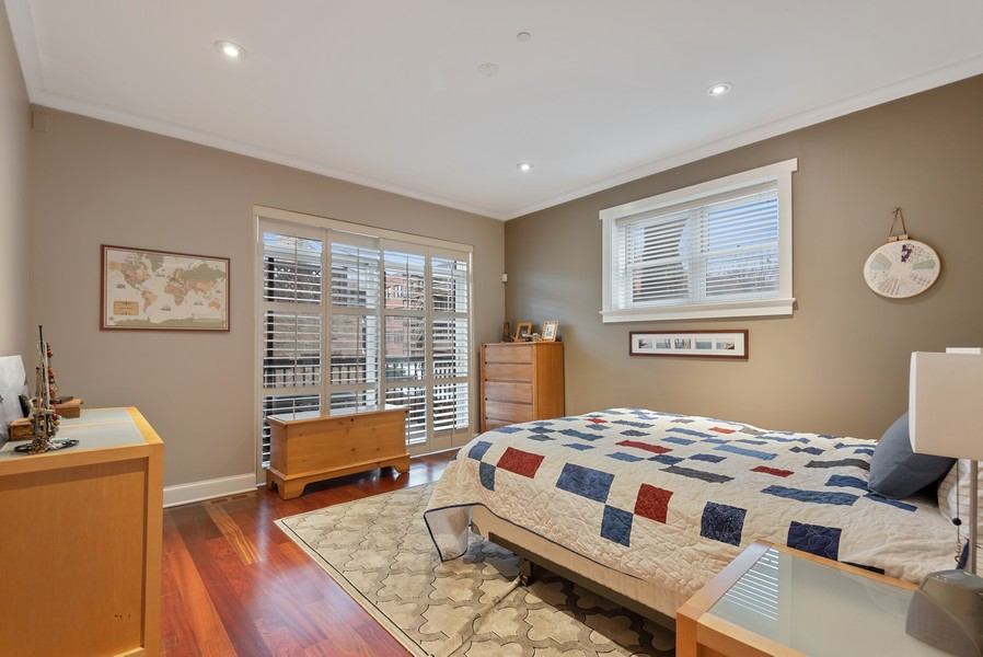 Real Estate Photography - 1112 Church St, 1, Evanston, IL, 60201 - Master Bedroom