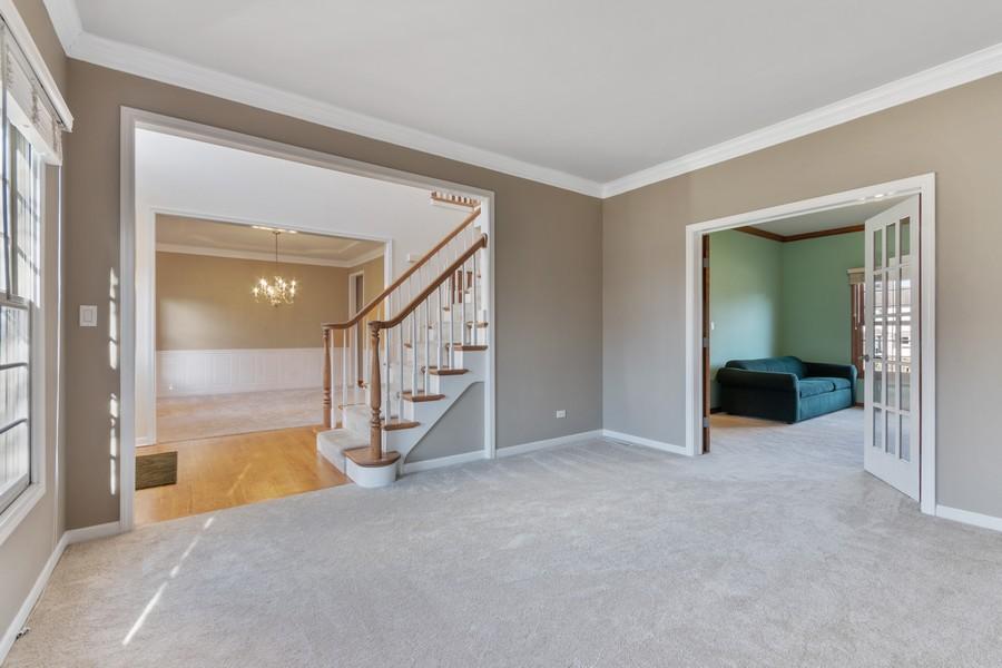 Real Estate Photography - 685 Kendridge Ct, Aurora, IL, 60502 - Living Room