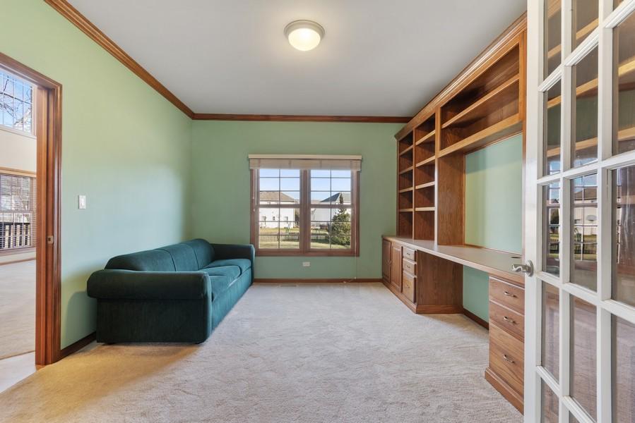 Real Estate Photography - 685 Kendridge Ct, Aurora, IL, 60502 - Den