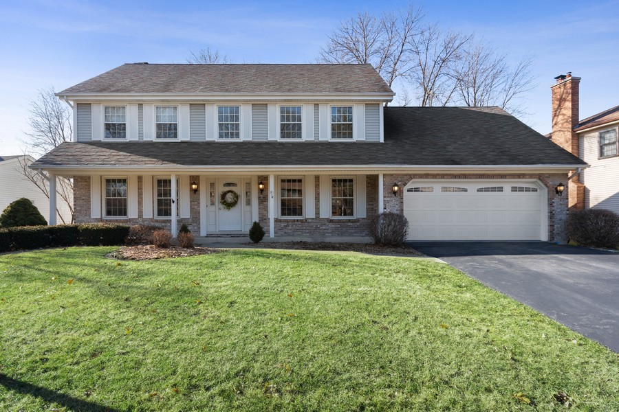 Real Estate Photography - 914 Monticello Dr, Naperville, IL, 60563 - Front View