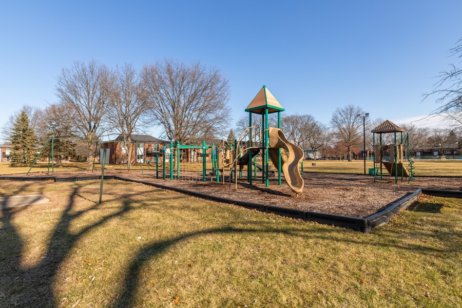 Real Estate Photography - 1215 North Waterman Ave, 2E, Arlington Heights, IL, 60004 - Playground