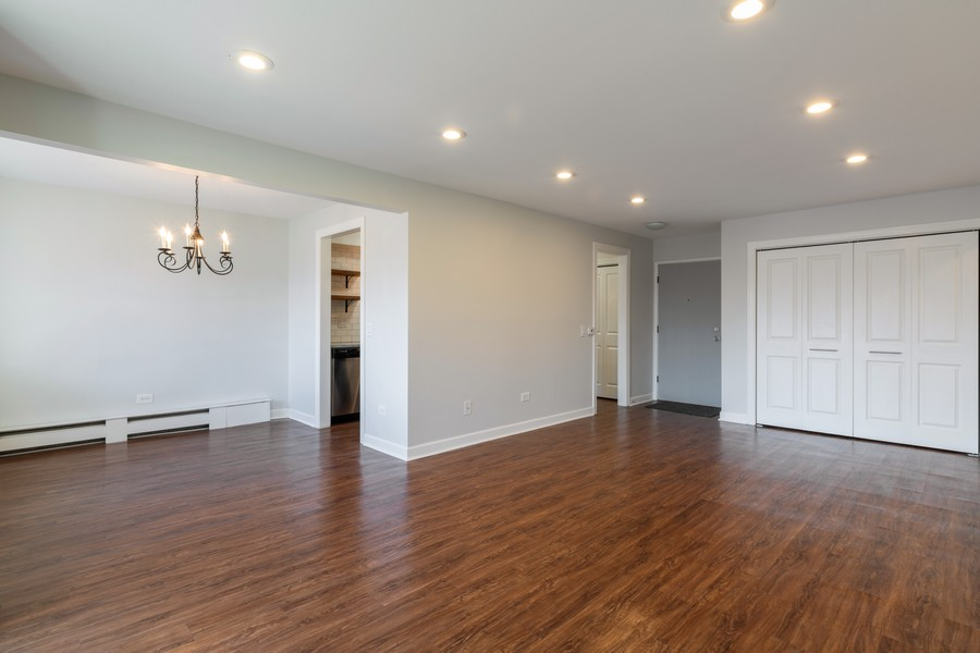 Real Estate Photography - 1215 North Waterman Ave, 2E, Arlington Heights, IL, 60004 - Living Room / Dining Room