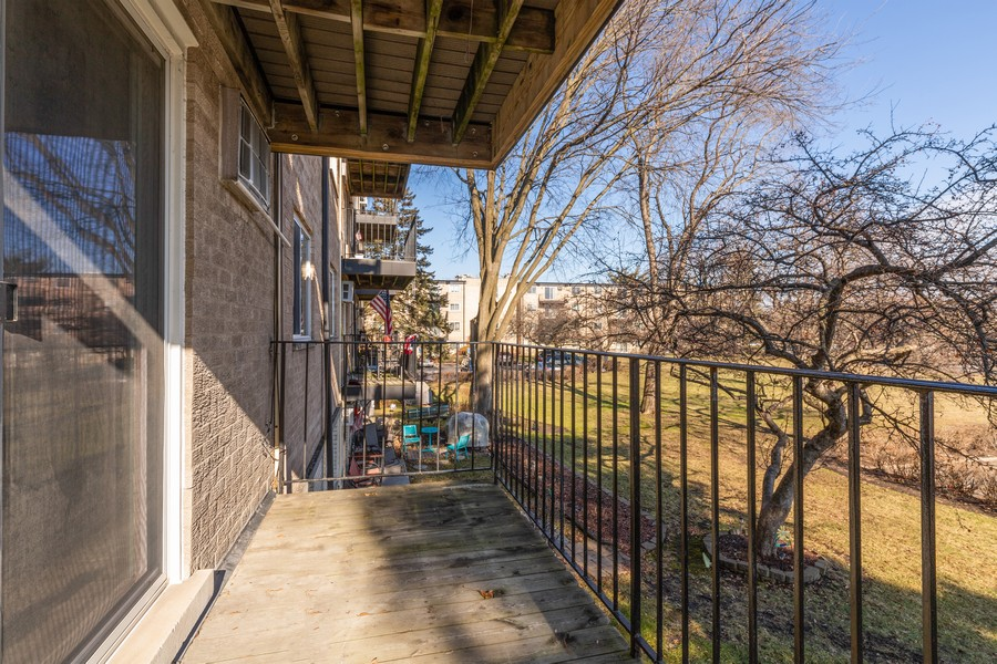 Real Estate Photography - 1215 North Waterman Ave, 2E, Arlington Heights, IL, 60004 - Balcony