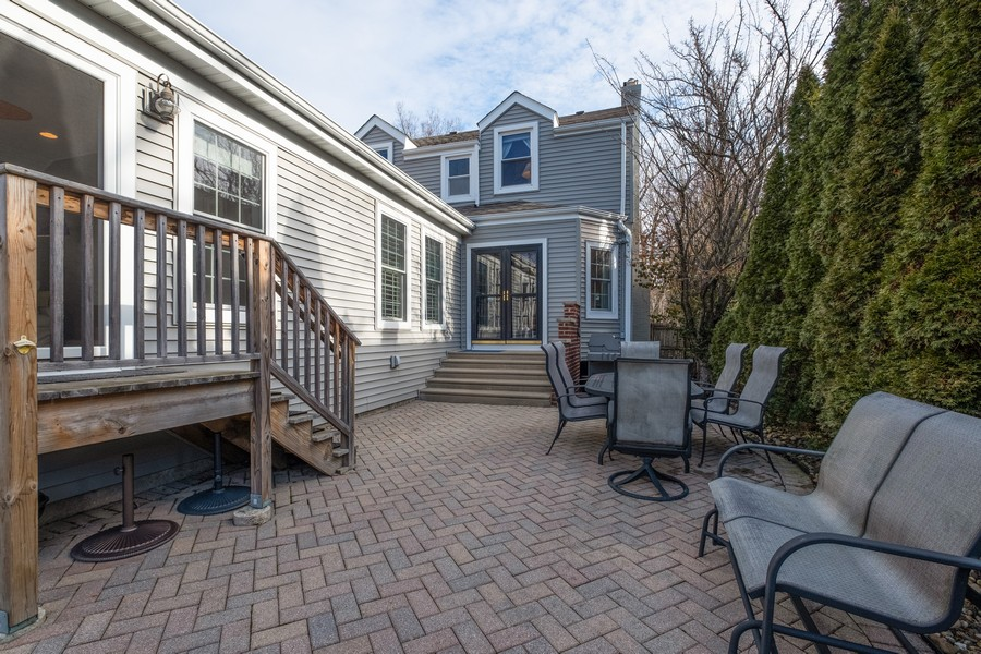 Real Estate Photography - 2630 Lawndale Ave, Evanston, IL, 60201 - Patio