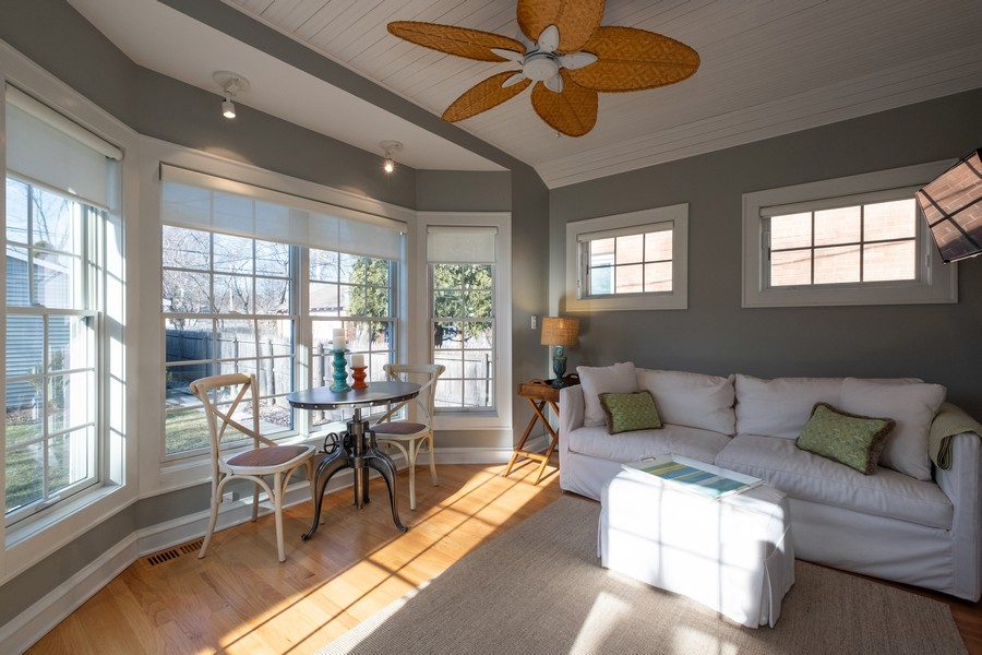 Real Estate Photography - 2630 Lawndale Ave, Evanston, IL, 60201 - Sunroom