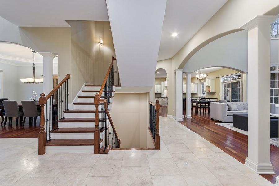 Real Estate Photography - 815 Iris Ln, Naperville, IL, 60540 - Location 1