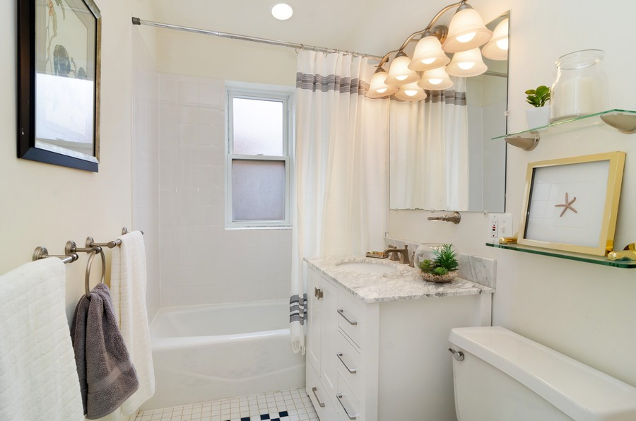 Real Estate Photography - 1938 North Oakley Ave, Chicago, IL, 60647 - Master Bathroom