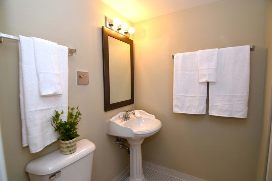 Real Estate Photography - 1104 North Mill St, 104, Naperville, IL, 60563 -