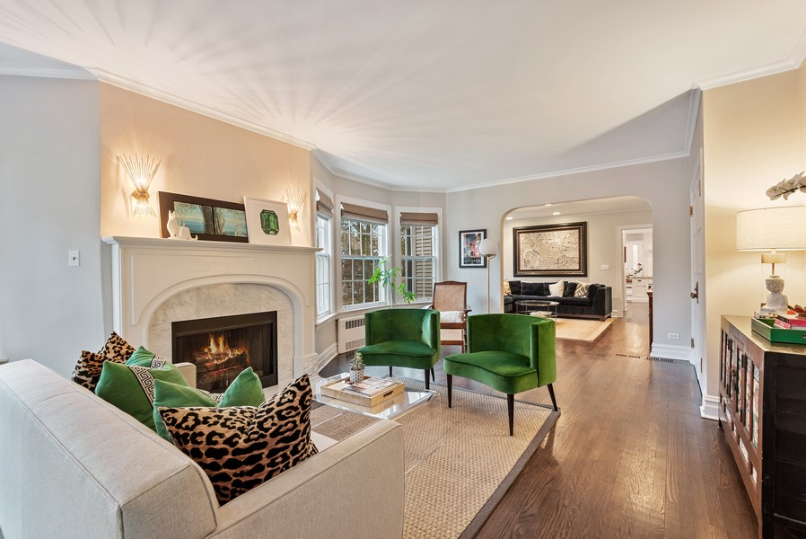 Real Estate Photography - 132 Park Ave, Wilmette, IL, 60091 - Living Room