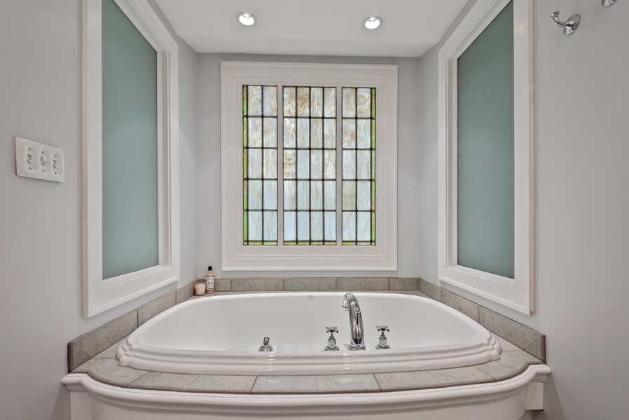 Real Estate Photography - 132 Park Ave, Wilmette, IL, 60091 - Master Bathroom